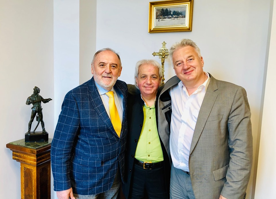 "Zsolt Semjén Deputy Prime Minister /Christian(?!) Democratic People's Party in Hungary/ and ""Pastor"" Benny Hinn and ""Pastor"" Sándor Németh (Photo: Sándor Németh, facebook.com/nemethsandorofficial, 27 May 2019)"