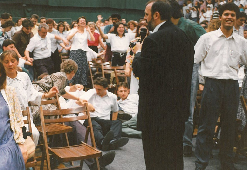 PHOTO: Hit Gyülekezete / Faith Church Hungary (www.hitgyulekezete.hu/hirek/karizmatikus-hit)