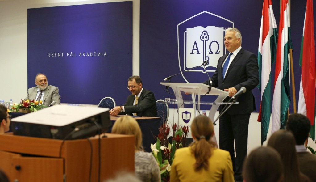 """Pastor"" Sándor Németh and Deputy Prime Minister Zsolt Semjén at the Faith Church's Saint Paul Academy, 2017"